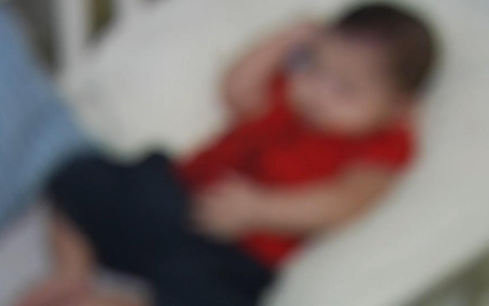 Bebê que foi abandonado em lote baldio é adotado, em Goiânia