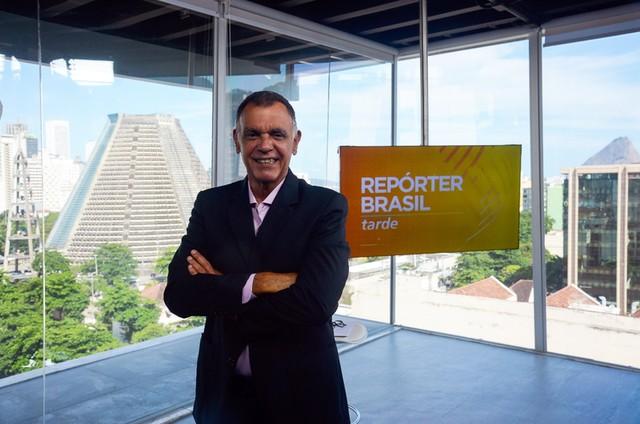 Luiz Carlos Braga, apresentador do 'Repórter Brasil' (Foto: Divulgação)