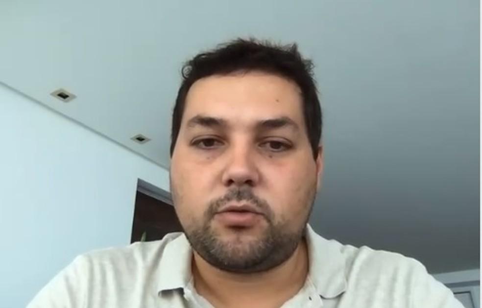Sérgio Hacker é prefeito de Tamandaré, no Litoral Sul de Pernambuco — Foto: Reprodução/Facebook