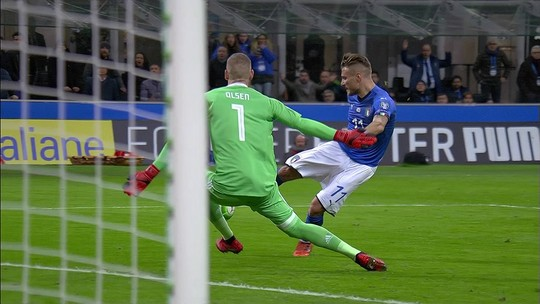 """Emocionado, Buffon deixa a seleção italiana: """"Difícil terminar assim"""""""