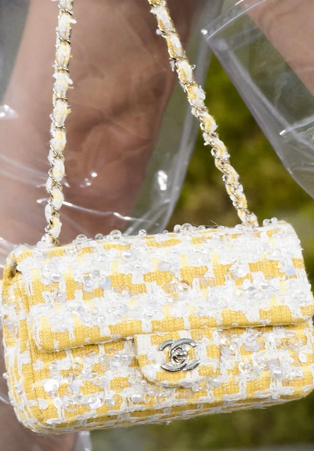 A Chanel Classic Flap no verão 2018 da grife (Foto: Imaxtree)