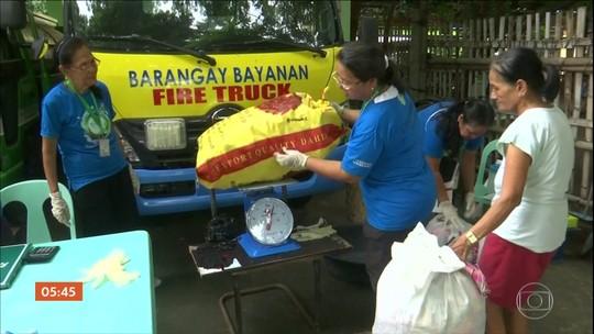 Governo das Filipinas oferece 1 kg de arroz em troca de 2 kg de lixo plástico