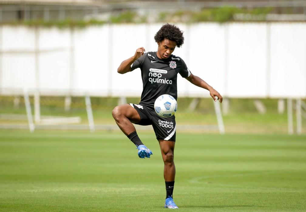 Willian no treino do Corinthians — Foto: Rodrigo Coca/Ag. Corinthians