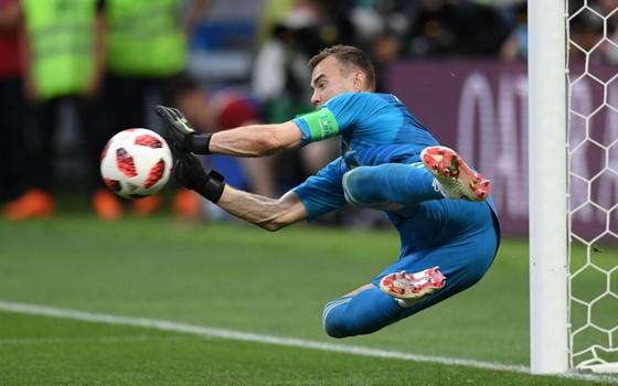 ac1c58ae47 O goleiro da Rússia defendeu o pênalti batido por Koke pela Espanha e