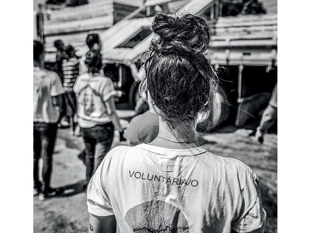 Empresas Ativistas - Capital privado e causa social se encontram em ONGs como a Teto, que constrói casas para famílias de baixa renda (Foto: Anna Carolina Negri)