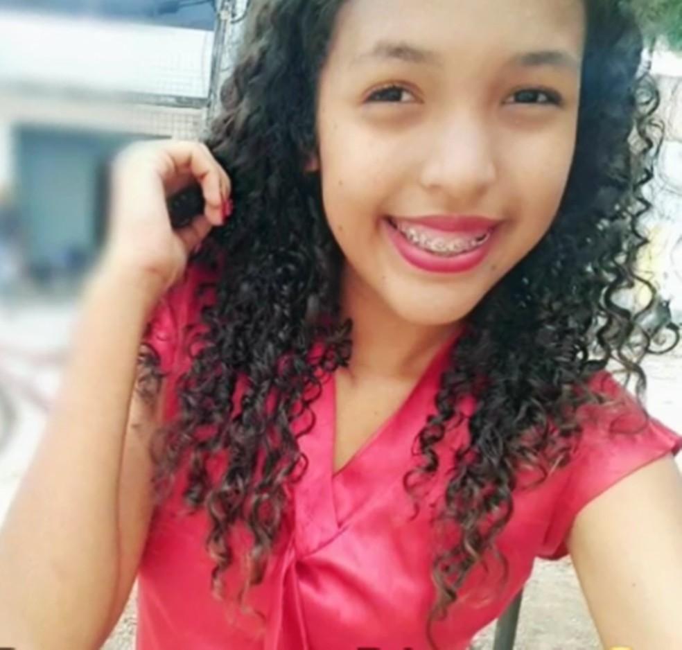 Karolina Oliveira Gomes tinha 16 anos — Foto: Arquivo Pessoal