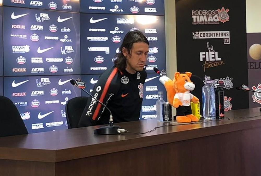 """Cássio diz que rebaixamento não o assusta no Corinthians: """"Não tenho medo de cair"""""""