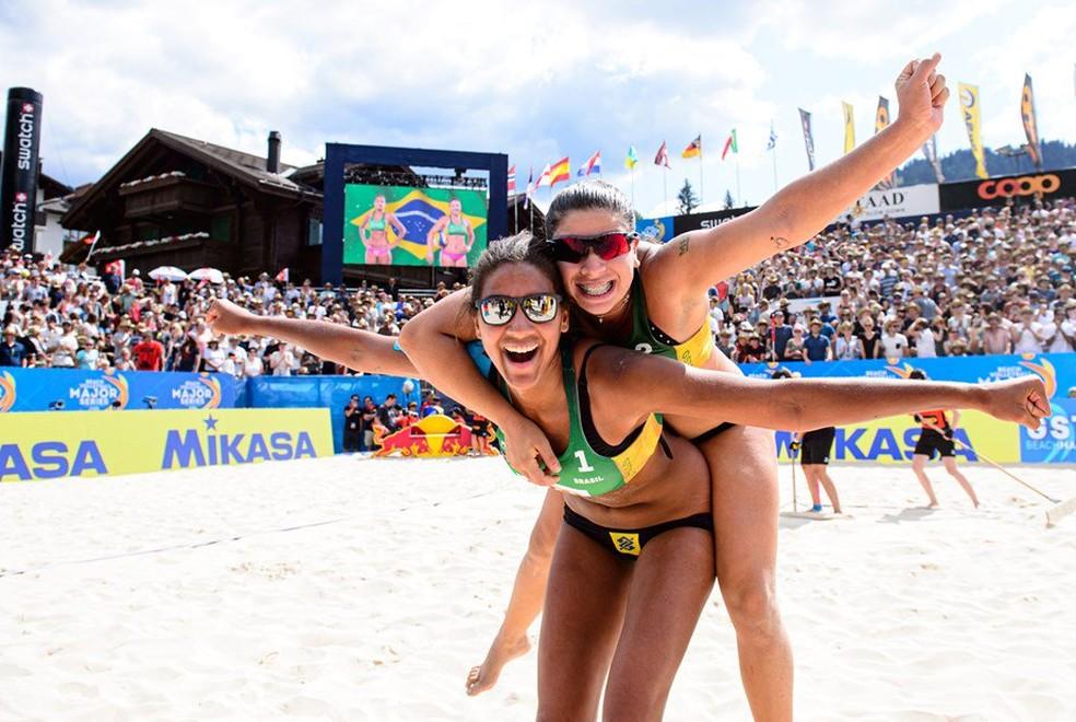 Ana e Rebecca ficaram com o bronze — Foto: Divulgação