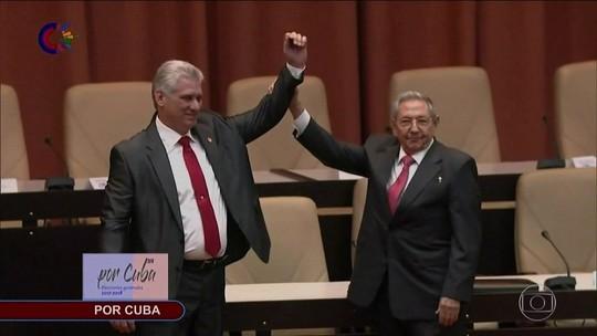 Díaz-Canel assume o poder em Cuba: 'A revolução continuará'