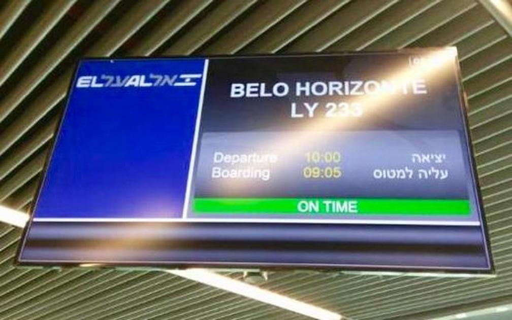 Telão mostra destino e número do vôo que traz os 130 soldados de Israel ao Brasil para ajudarem nas buscas em Brumadinho, MG — Foto: Divulgação/Ministério das Relações Exteriores de Israel