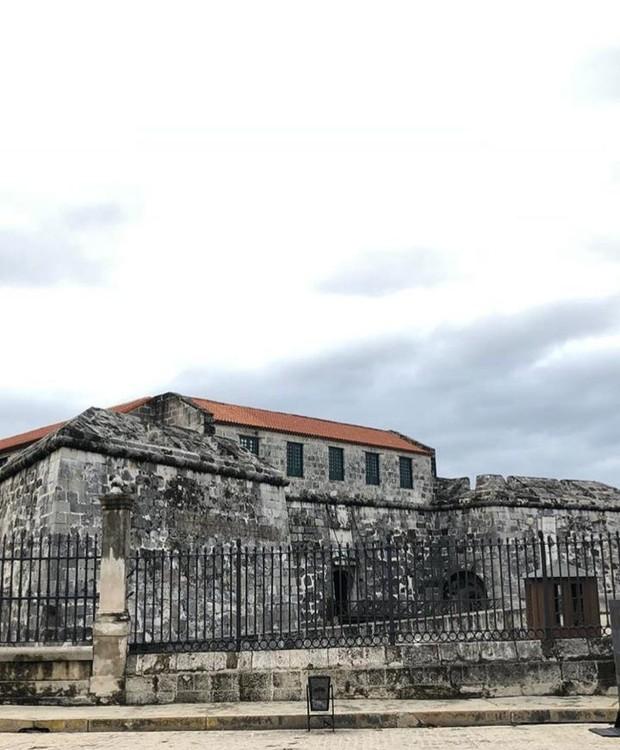 Bruno Gagliasso e Giovanna Ewbank fazem tour cultural por Havana, a capital cubana (Foto: Instagram/ Reprodução)