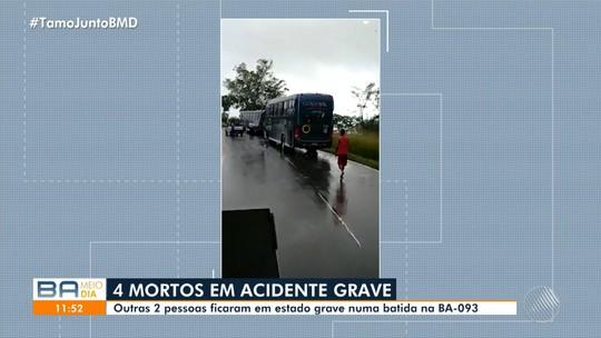 Acidente deixa 4 mortos na BA-093, região metropolitana de Salvador; Kombi ficou destruída