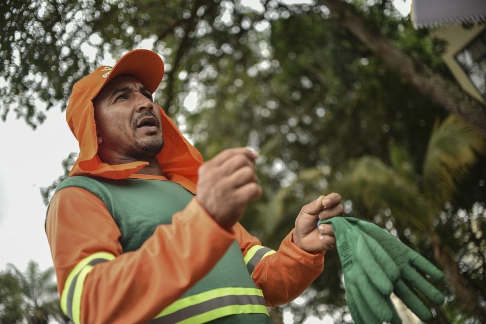 Gari Emerson da Silva Brito, ferido por uma agulha descartada de forma incorreta — Foto: Andre Borges/Agência Brasília