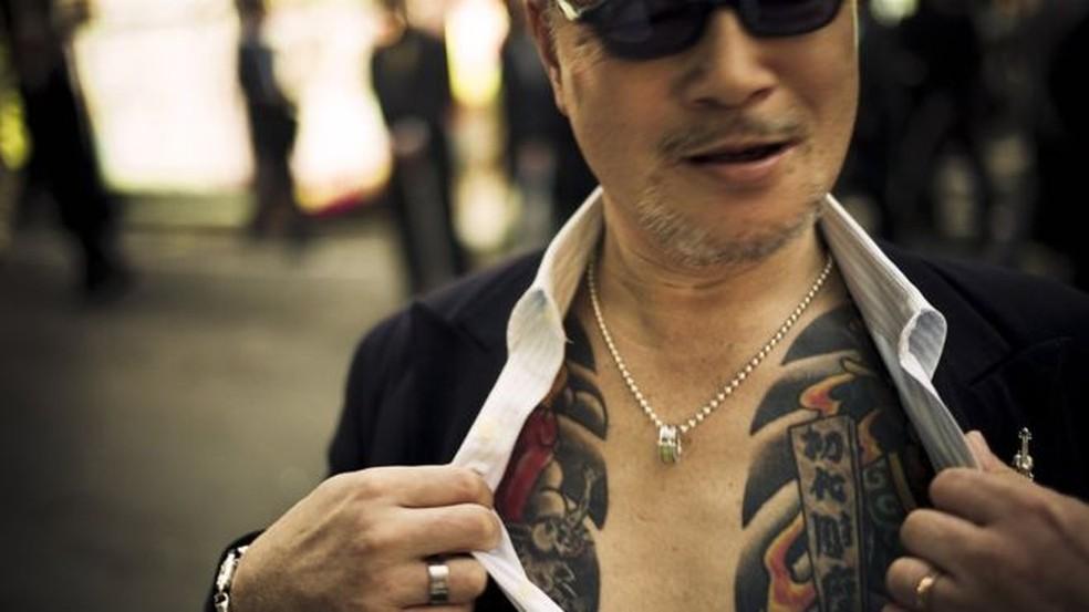 As tatuagens são cruciais para os membros da yakuza — Foto: Anton Kusters/BBC