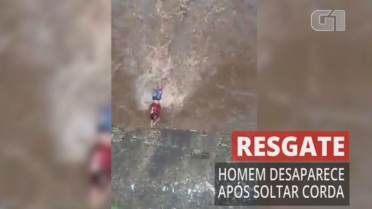 Homem se solta de corda durante resgate e desaparece no Ribeirão Arrudas, em BH
