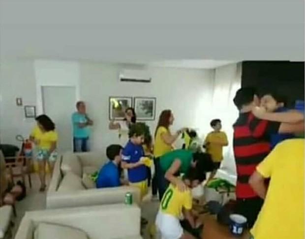 Bruna Marquezine se emociona em partida do Brasil (Foto: Reprodução/Instagram)
