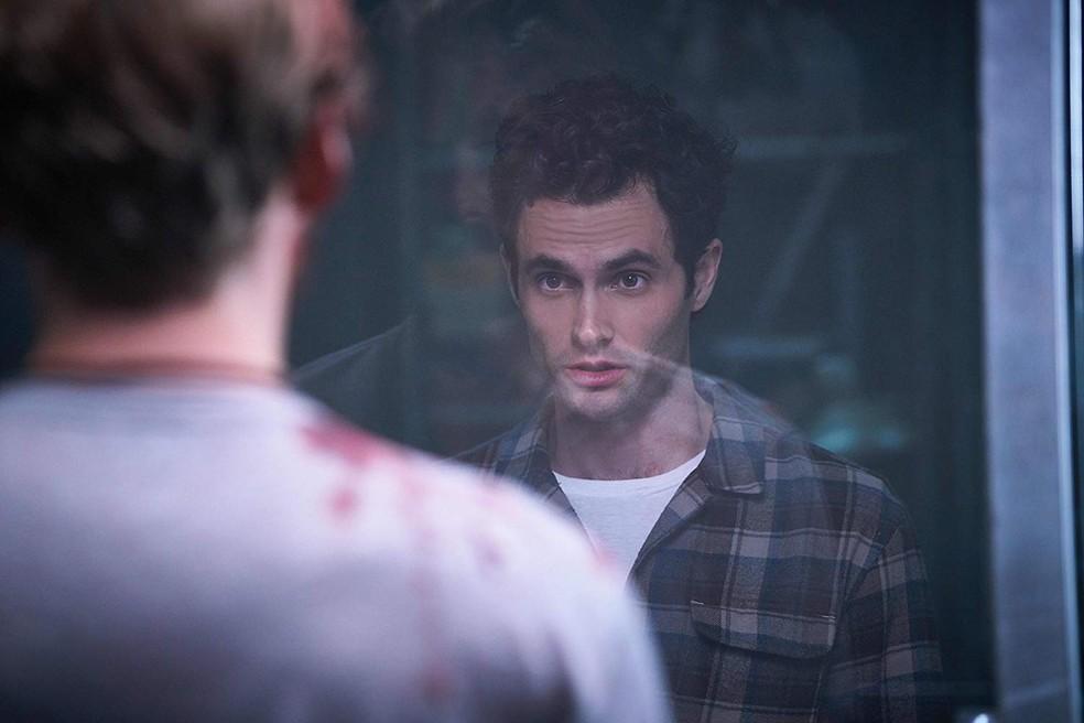 Penn Badgley é protagonista do thriller 'You'  — Foto: Reprodução/Netflix