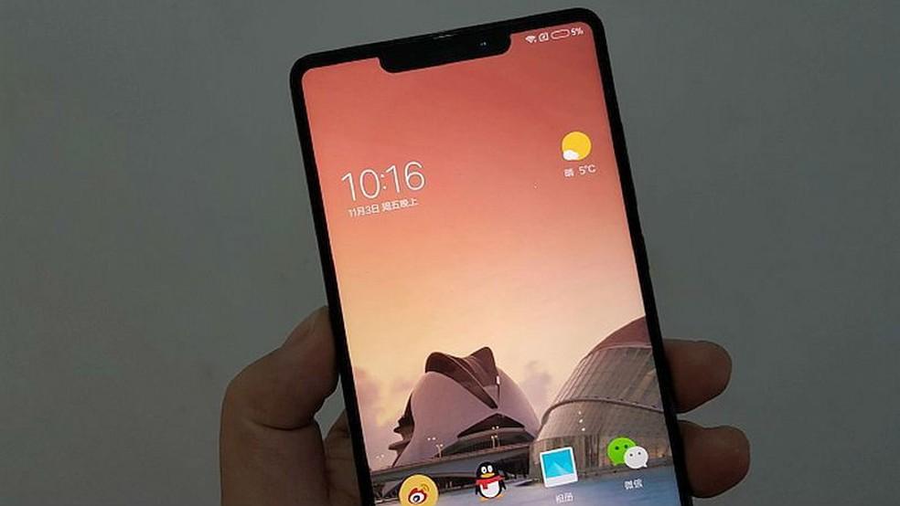 3f0e779de ... Possível Xiaomi Mi MIX 2S bate recorde no AnTuTu — Foto   Reprodução Weibo