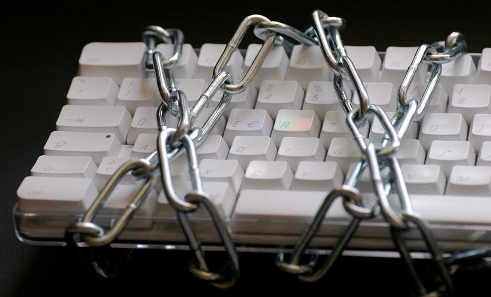 Programa do Google recompensa pesquisadores para que falhas sejam corrigidas antes que hackers possam explorá-las em ataques — Foto: Armin Hanisch/Freeimages.com