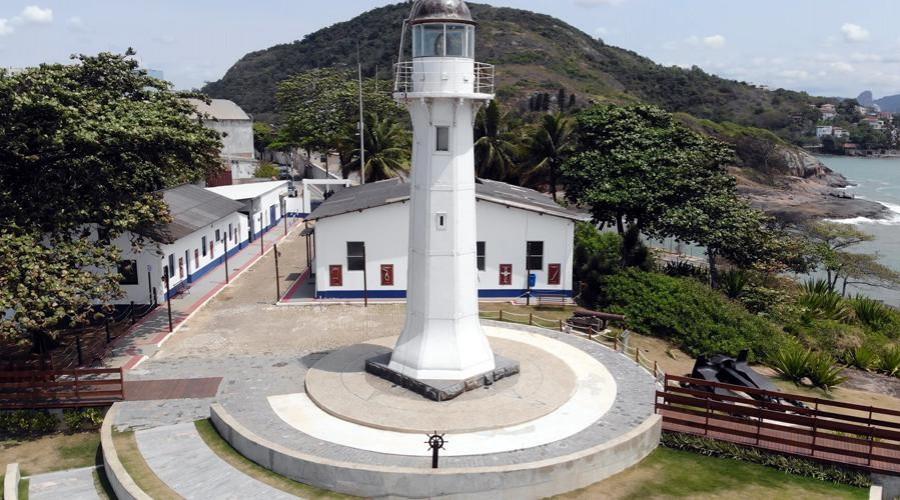 Farol Santa Luzia, em Vila Velha, ES, reabre para visitação pública nesta terça