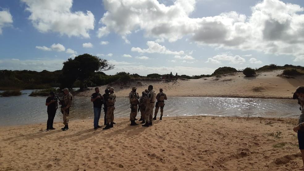 Quatro corpos foram encontrados com marcas de tiros em Maracajaú — Foto: Sérgio Henrique Santos/Inter TV Cabugi