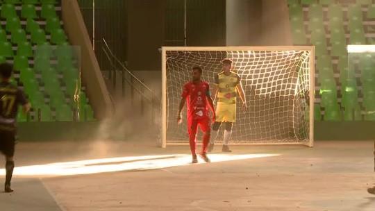 Cortina de poeira, falta de luz e fezes: estadual de futsal tem cenas lamentáveis no Piauí; veja