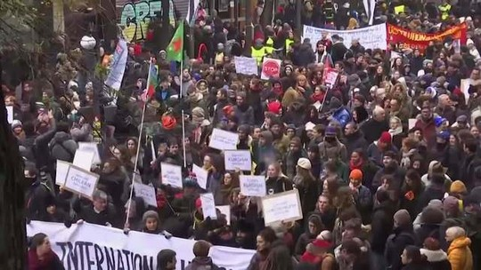 Na França, 800 mil manifestantes foram às ruas, segundo o governo