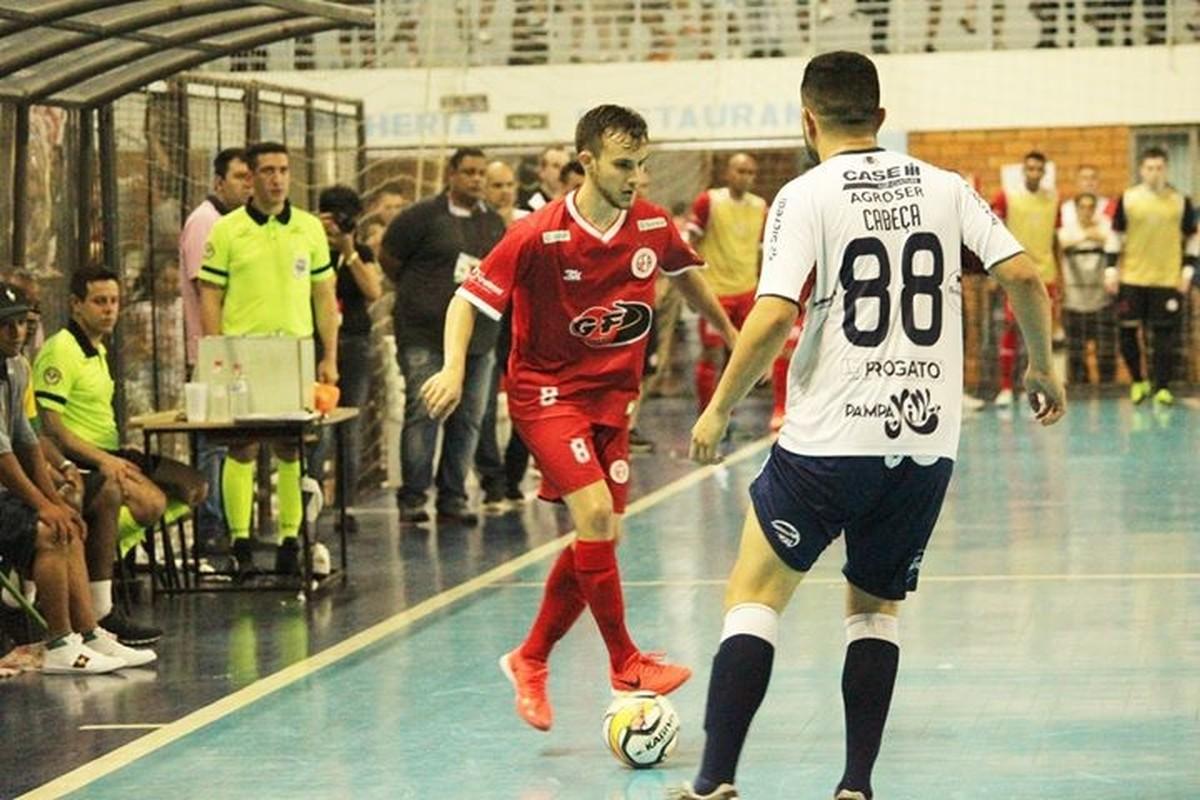 fc80dc5a95 Bom de bola  Cearense integra tradicional time de futsal ACBF ...