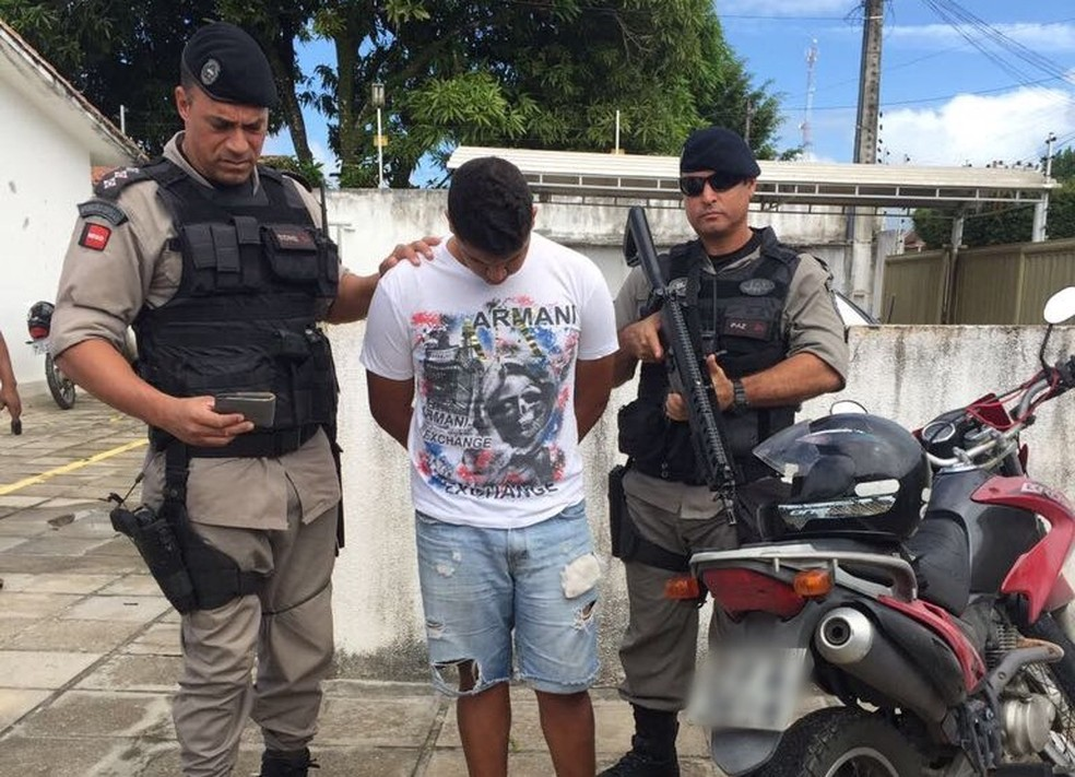 Herick Ramon já foi preso em 2017 com três quilos de cocaína (Foto: Divulgação/PMPB)