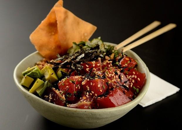 Saudável, poke é um dos pratos mais pedidos na casa da chef (Foto: Divulgação/ Wellington Nemeth)