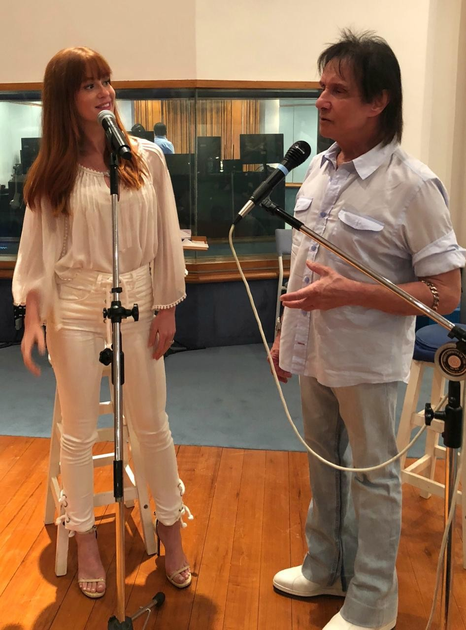 Marina Ruy Barbora e Roberto Carlos