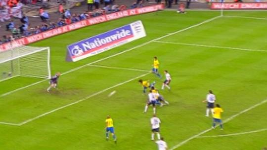 Do gol há 10 anos à chance final, Diego volta a Wembley por sonho da Copa