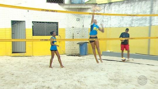 Atleta de MS do vôlei de praia embarca para os Jogos Olímpicos da Juventude
