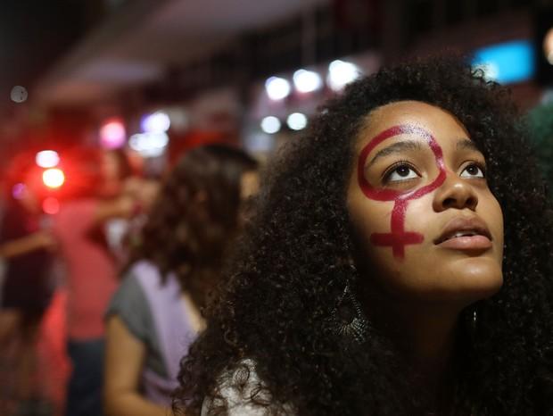 Mulheres se manifestam contra a PEC181 que proibiria o aborto  (Foto: Mario Tama/Getty Images)