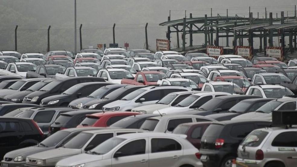 Analistas estimam que de 55 mil a 300 mil veículos podem deixar de ser produzidos — Foto: Agência Brasil/Via BBC