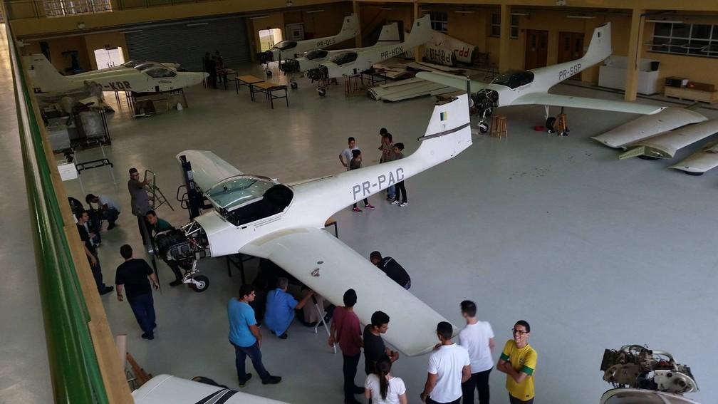 8d9fdfaaad ... IFSP dispõe de 13 aeronaves no hangar em São Carlos para aulas práticas  de manutenção —