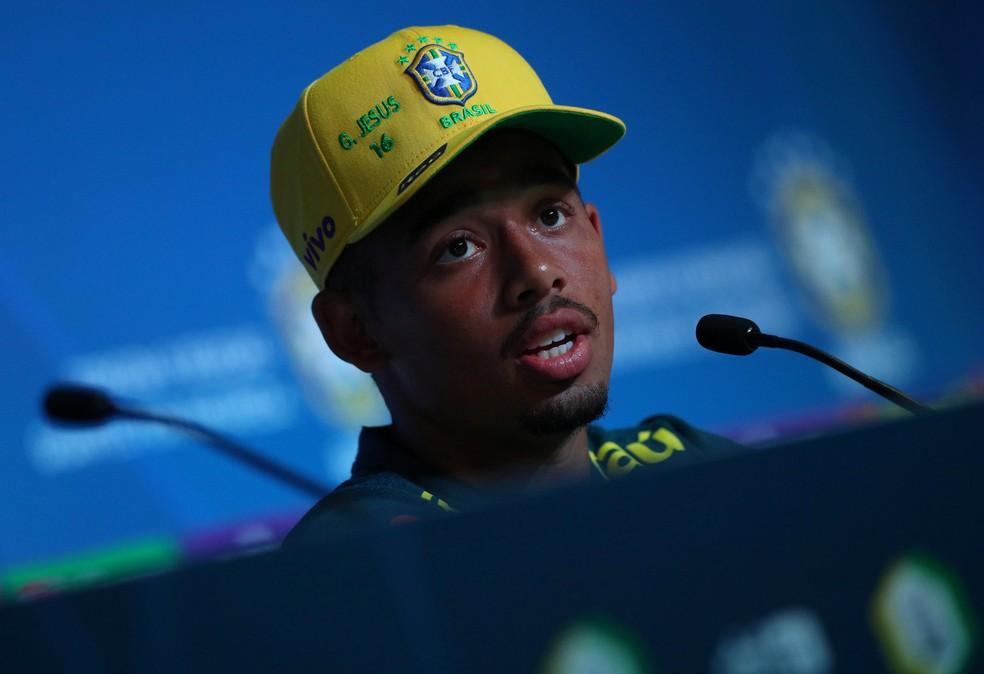 Gabriel Jesus em coletiva da seleção brasileira (Foto: Hannah McKay / Reuters)