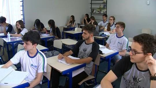 Estudantes gastam mais de R$ 500 para participar dos principais vestibulares