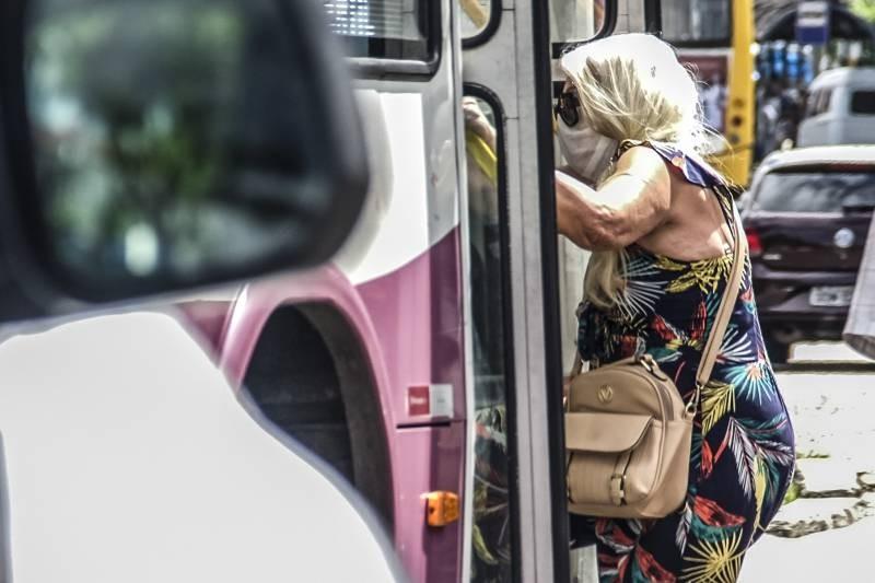Passageiros estão proibidos de acessar transportes públicos ou privados sem máscara no Pará