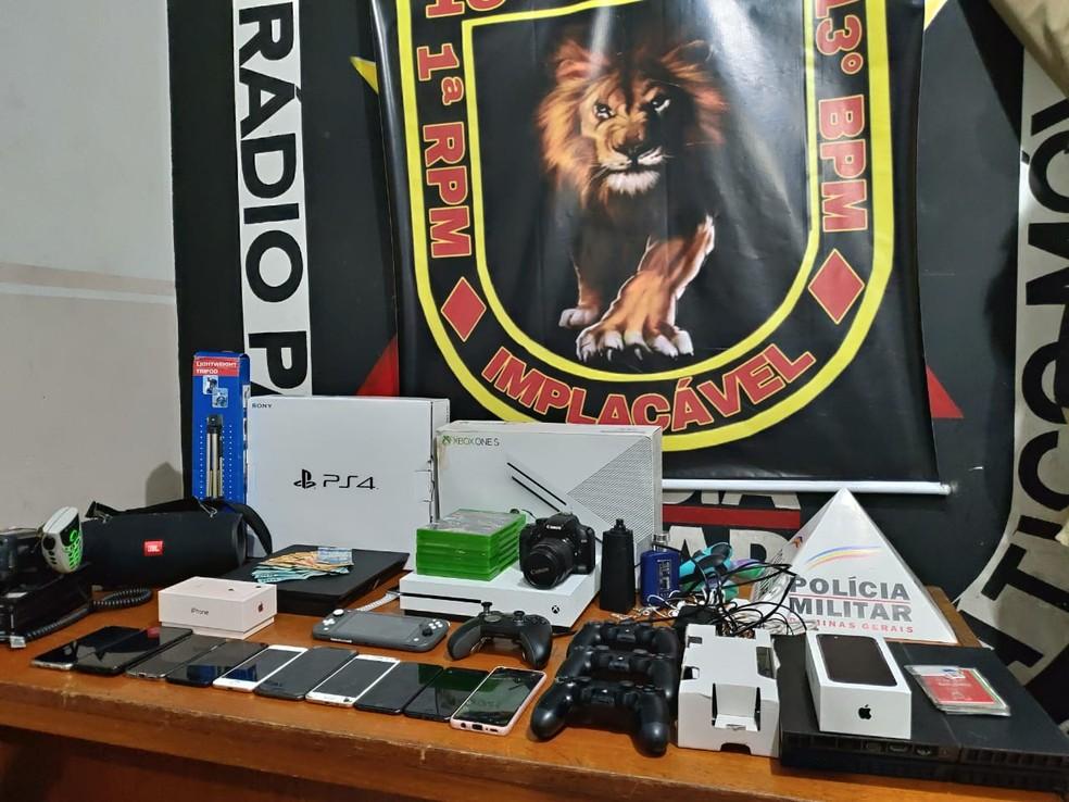 Mercadorias foram encontradas no hotel onde grupo estava. — Foto: Polícia Militar/Divulgação