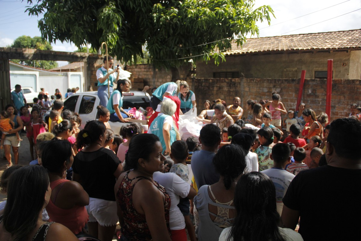 Rede Amazônica Roraima entrega mais de 200 brinquedos a crianças carentes em ação de Natal