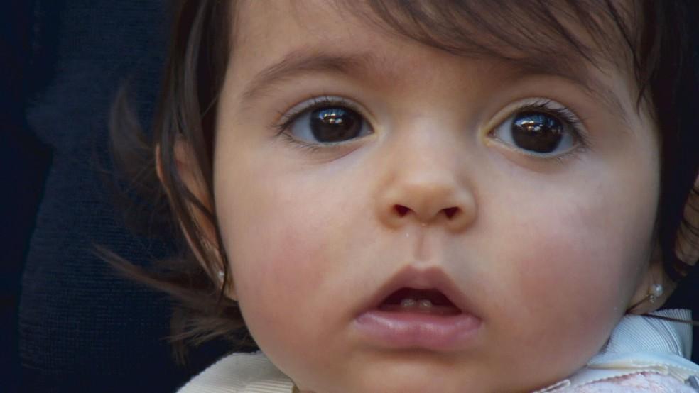 Kyara, de um ano, foi diagnosticada com Atrofia Muscular Espinhal (AME), doença degenerativa rara — Foto: TV Globo/Reprodução