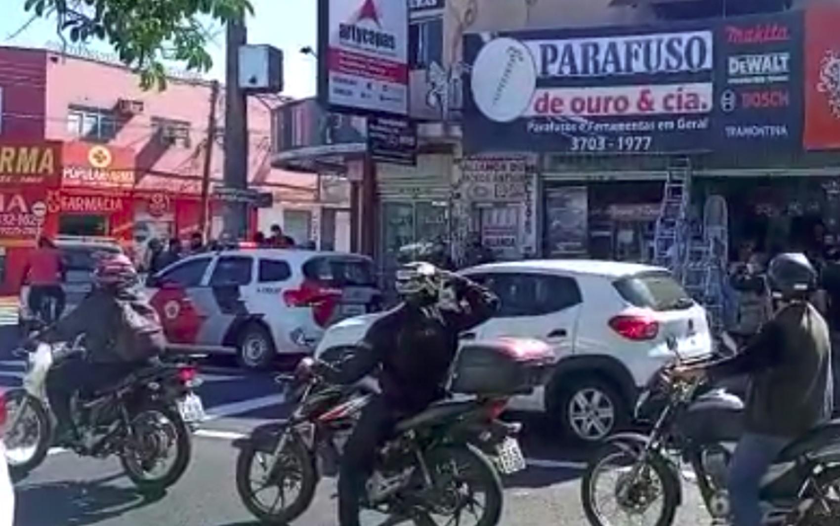 Dupla solta fogos antes de matar contador a tiros dentro de escritório em Franca, SP, diz polícia