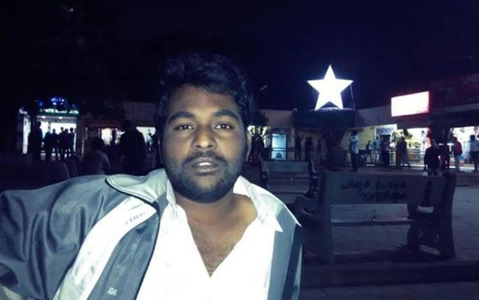 Rohith Vemula, um estudante de doutorado de 26 anos, se suicidou dentro do campus da Universidade Central de Hyderabad. Ele integrava movimento de defesa dos direitos dos dalits (Foto: Reprodução/Facebook/Rohith Vemula)