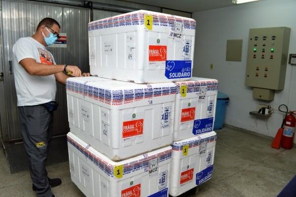 Mais 44.750 doses de vacinas contra Covid chegam a Alagoas