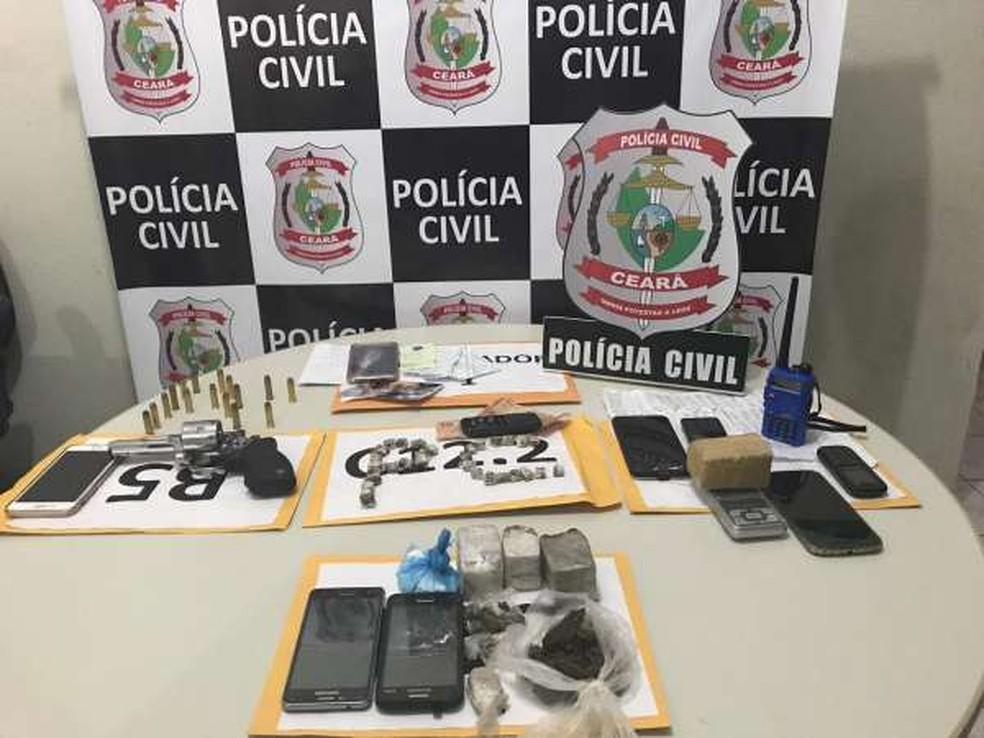 Polícia prende quatro pessoas e apreende dois adolescentes em operação em Jucás, no interior do Ceará.  — Foto: Divulgação/SSPDS