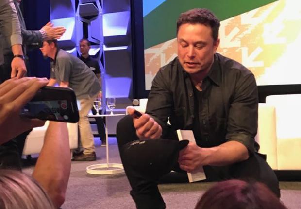 Elon Musk no SXSW. Empresário fez aparição surpresa (Foto: Época Negócios)