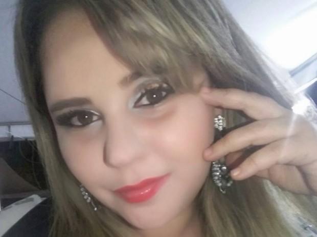 Michelle de Souza Pires, de 30 anos, morre após fazer cirurgia plástica em Goiânia, Goiás (Foto: Reprodução/Facebook)