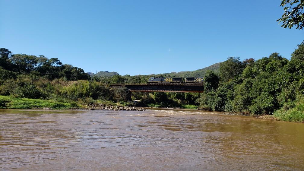 Índios Pataxó-Hã-hã-hãe acreditam que rio será recuperado — Foto: Raquel Freitas/G1