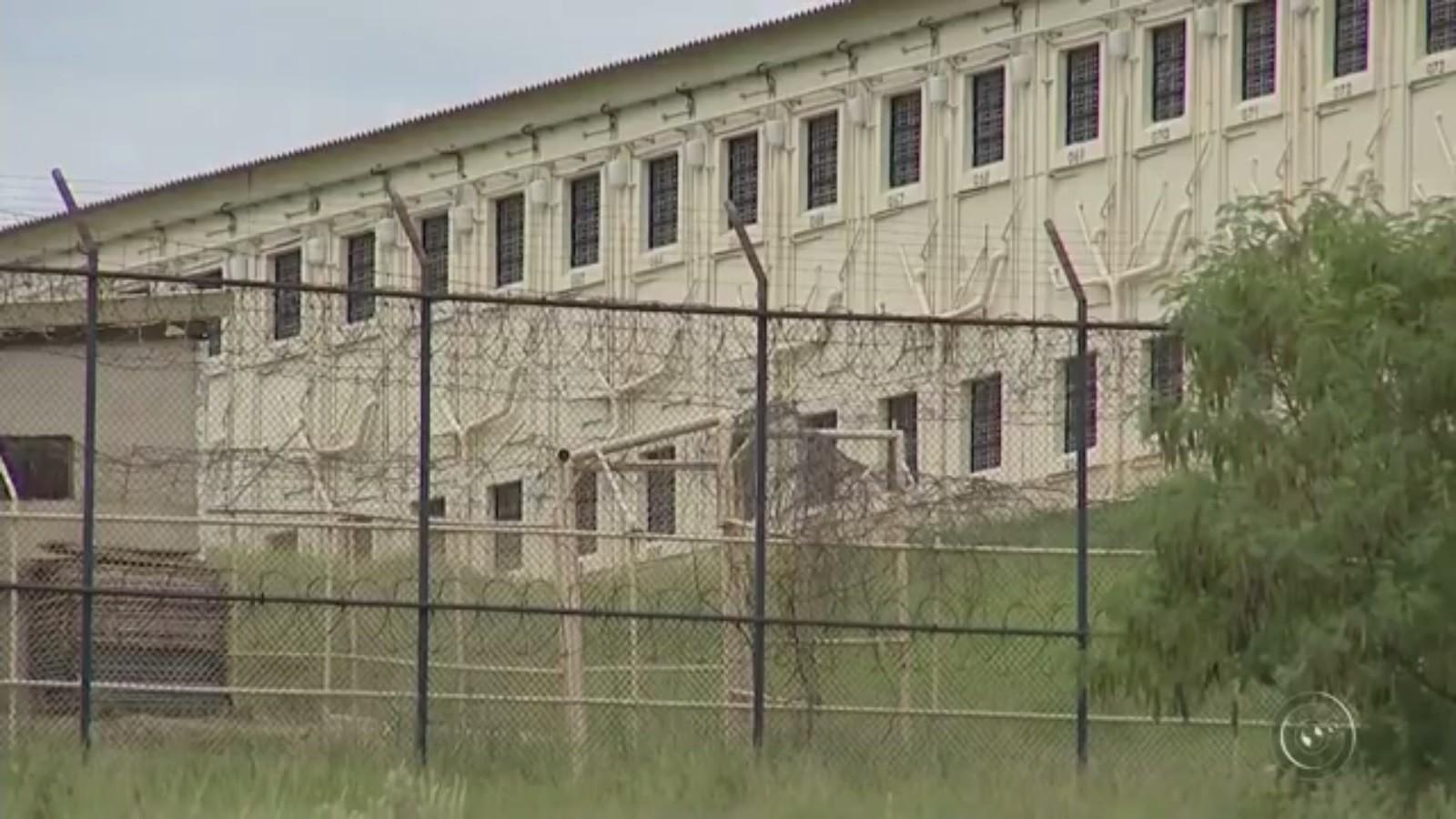 Governo de SP diz que ainda não há casos confirmados de coronavírus entre os mais de 200 mil presos